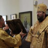 В Неделю 15-ю по Пятидесятнице, после Воздвижения, епископ Серафим совершил Божественную литургию в Никольском кафедральном соборе